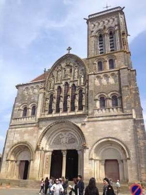 シャブリ 教会