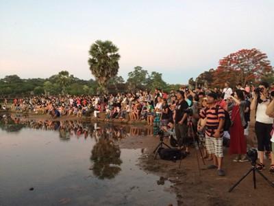 2015 カンボジア・ベトナム_アンコールワット朝日